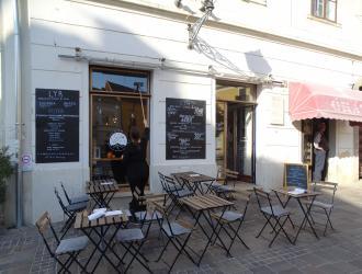 LYR Speciality Coffee & Food 100% Vegan Pécs